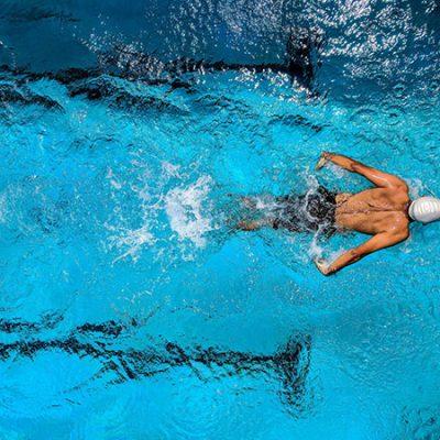 Cách tập thể dục giúp tăng cường sinh lý nam với bộ môn bơi lội