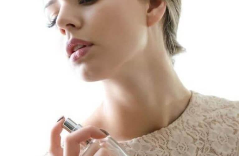 nước hoa kích dục cho nữ không mùi